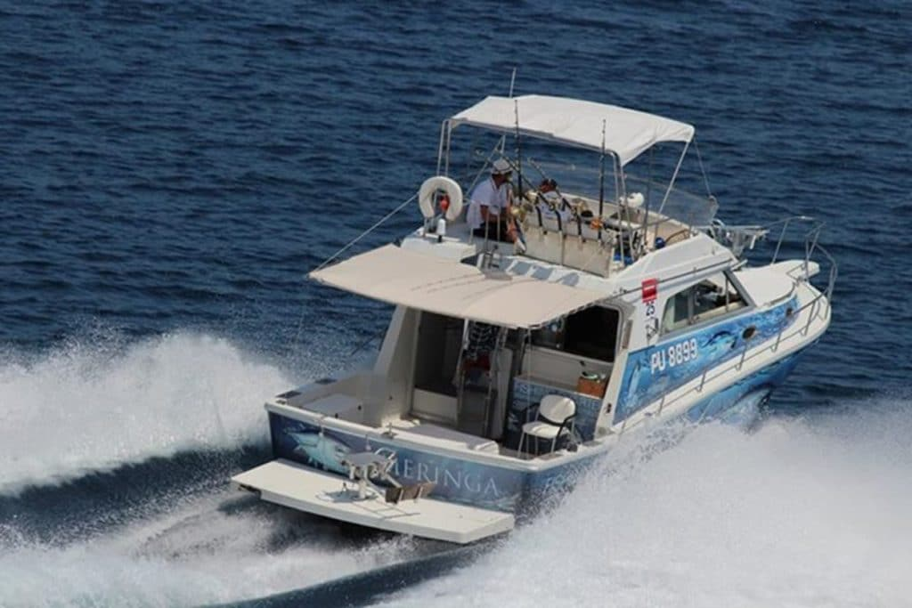 Boat for guided Big game trips